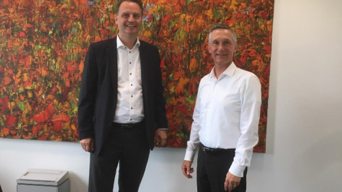 (v.l.n.r.) Dr. Günter Krings, Torsten Heising (Geschäftsführer SMS group)