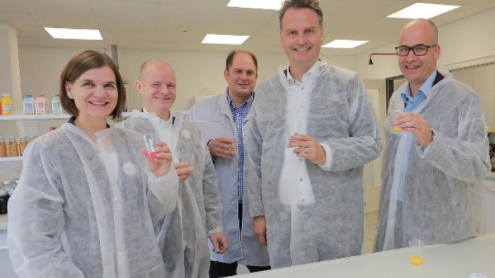 Günter Krings besucht Refresco - Weltweit größter unabhängiger Getränkeabfüller investiert weiter in den Standort Mönchengladbach